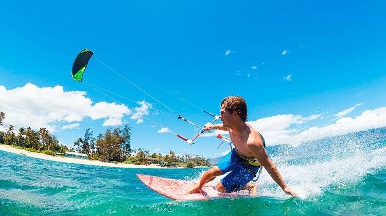 Kitesurfing In Playa Del Carmen