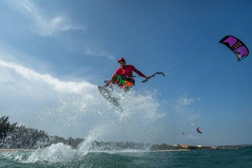 Windsurfing Vs Kitesurfing - kitesurfingadvice.com