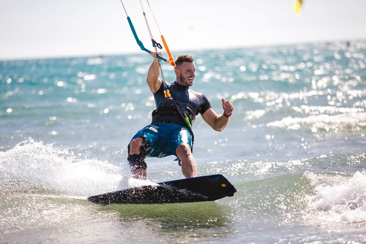 Kitesurfing Wave Riding Tips - kitesurfingadvice.com